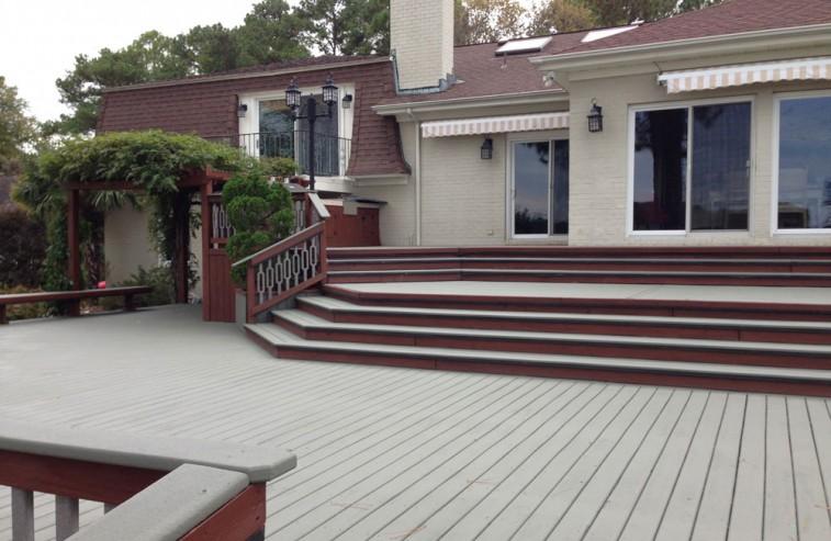 Deck staining & sealing